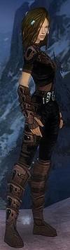 Armure d'obsidienne pour rôdeur (Femme).jpg